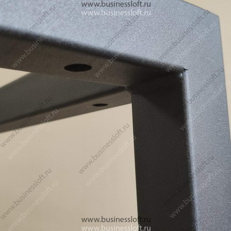Стол лофт с О-образным подстольем и перекрестием