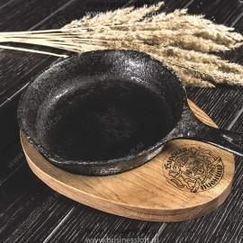 Деревянная подставка для подачи блюд на сковороде Круг